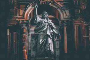 Vad innebär kristendomen?